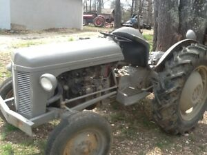 1952 Ferguson Tractor excellent Condition just Needs Some Tlc Brake Work