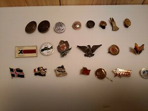 Lot Of 8 Unusual Metal Buttons Pinbacks Hinged Scarf Dress Sweater Clips