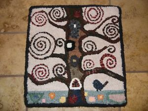 Unique Gift Primitive Hand Hooked Rug Tree Bird New 13 1 2 By 14