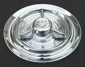 One Genuine Oldsmobile Spinner 15 Hubcap Wheel Cover Fiesta 1953 1955 Blemished