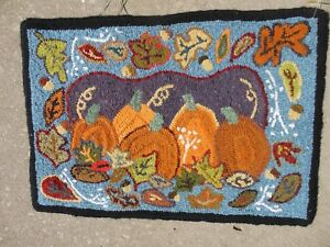 Hand Made Primitive Style Hooked Rug Pumpkins Fall 27 By 19