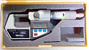 Mitutoyo 0 1 Digital Outside Micrometer Resolution 00005 001 Mm Data Port