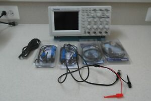Tektronix Tds 224 Four Channel 100mhz 1gs s Oscilloscope 4 Probes