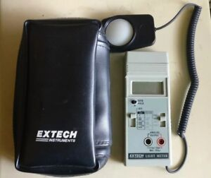 Extech 402668 Foot Candle lux Light Meter Digital with Original Carrying Case