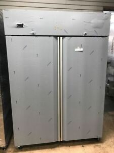 Hoshizaki Cr2s fs 55 Two section Reach in Refrigerator 2 Solid Doors 115 V