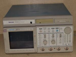 Tektronix Tds 640 Tds640 4ch Digitizing Oscilloscope W Td100 Data Manager