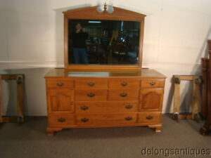 46861 Ethan Allen Solid Maple Dresser W Mirror