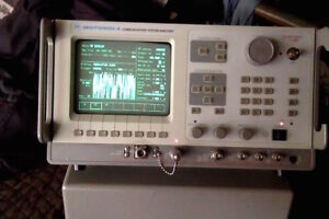 Motorola R2600b nt Communications Analyzer