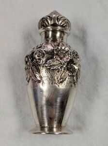 S Kirk Son 42 Salt Shaker In Repousse Sterling Silver No Mono 32 4 G