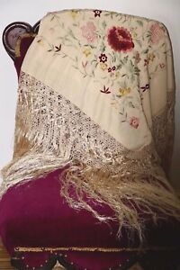 Exquisite Antique Victorian Silk Floral Shawl Color White Embroidery