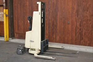 Crown Model 520mt s Electric Forklift