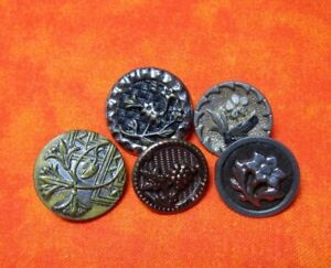 5465 A 5 1800 S Buttons Pewter Brass Victorian Celluloid Basketweave Backgd
