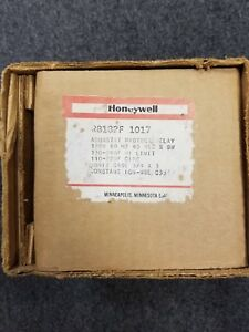 New Old Stock Honeywell R8182f 1017 Aquastat Protect Relay