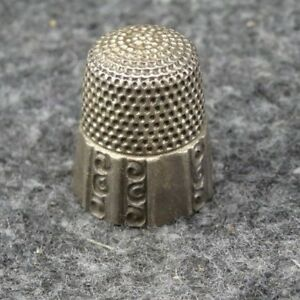 Antique Simons Brothers Panel Size 9 Sterling Silver Sewing Thimble