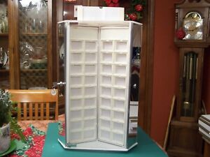 Three Sided Acrylic Jewelry Display Counter Top Jewelry Case Inserts