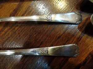 Wm Rogers Rio Sectional Oneida Silver Plate Flatware 12 Pieces Knives Spoons