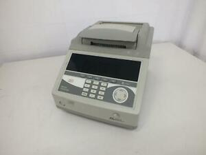 Applied Biosystems 9800 Fast Thermal Cycler 4349441r