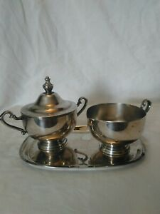 Vintage Silver Plate Cream And Sugar With Serving Tray Wm Rogers Silver Company
