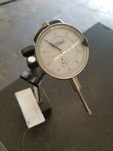 Fowler 0 1 Dial Indicator 52 520 110 0 W magnetic Base W 0028