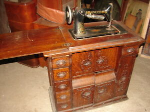 Antique Oak Treadle Red Eye Singer Sewing Machine In Full Cabinet Carved Pulls