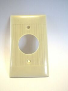 Vintage Round Outlet Cover Plate Ivory Bakelite Ribbed Pattern Sierra Electric