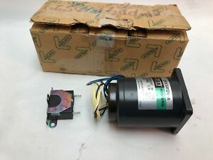 Oriental Motor 2rk6rgn 2 Speed Control Motor New 2rk6rgna Stepper Plate Terminal