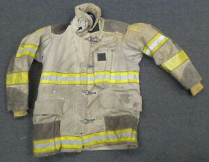 44x35 Globe Firefighter Jacket Coat Bunker Turn Out Gear J693