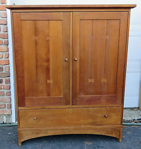 Stickley Mission Collection Wardrobe Entertainment Credenza Cherry Butterfly