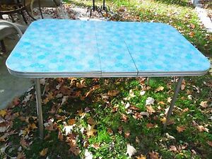 Vintage Mid Century 1950s 1960s Formica Table With Insertible Leaf Seats 4 6