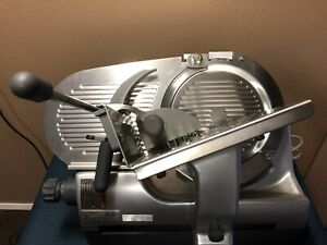 Hobart 2912 Automatic 6 speed 12 Meat Cheese Deli Slicer very Clean