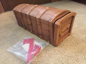 Vintage 1984 Sears Steamer Trunk Novelty Mailbox Pirate Treasure Chest Mail Box