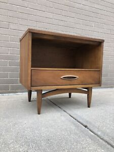 Broyhill Sculptura Walnut Night Stand Mid Century Danish Modern