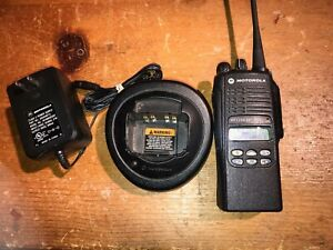 Motorola Ht1250 Radio 4w Uhf 403 470 Mhz Aah25rdf9aa5an Ems Fire Ham Gmrs Extras