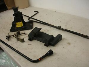 81 82 83 84 85 86 87 Chevy Gmc Pick Up Truck K5 Spare Tire Jack With Mount 3