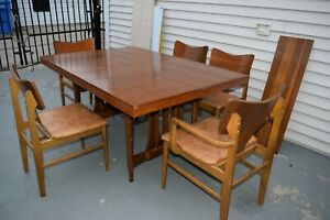 Stunning Mid Century Modern Solid Wood Dinning Table Set