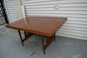 Stunning Mid Century Modern Solid Wood Dinning Table