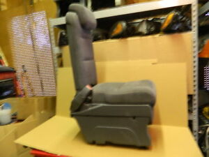 Honda Odyssey Rear Second Row Middle Center Jump Seat Gray Cloth 2005 2007