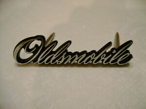 1976 Oldsmobile Cutlass 442 Nos Gm Lh Grille Script Or Nameplate New Olds