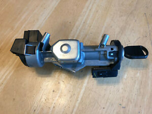 2005 2006 2007 Ford Freestyle Ignition Switch Housing W key Pats Transciever