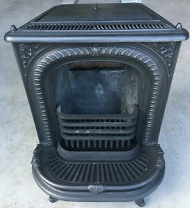 Antique Wood Burning Cast Iron Parlor Stove By Griffith 1862 North Carver Ma