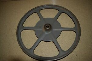 rt Rockwell delta 14 Bandsaw Upper Wheel Vintage Cast 575 Shaft q1