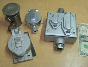Enclosure Lot Bell Appleton Hubbell Davol Weatherproof Outlet Boxes Usa