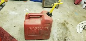 Vintage Chilton Gas Can Vented 5 1 4 Gallon Model P50 With Screen