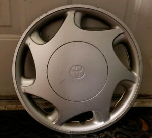 1 Oem 1997 2000 Toyota Camry Ce 14 Hubcap Wheel Cover 01 P n 42621 aa020
