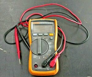 Fluke 117 True Rms Multimeter With Leads 049chb