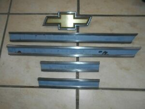 83 84 Chevy Silverado Truck Grille Metal Center Trim Strips 81 87 W Bowtie
