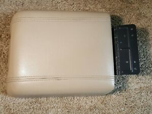 04 05 06 07 08 Ford F150 F 150 Center Console Lid Armrest Tan Leather Oem C2 3