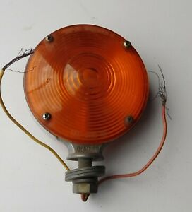 Vintage Yankee Turnflex Ii Amber Turn Signal Light 838
