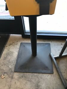 U Turn Uturn Bulk Candy Vending Machine Stand Base Pole All thread Preowned
