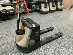 Crown Model Wp3045 45 2014 4500lbs Capacity Great Electric Jack Forklift